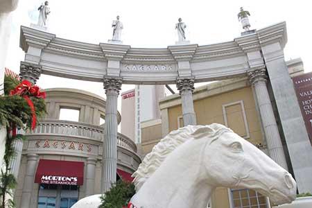 Caesars advierte a inversionistas acerca de juegos de apuestas en línea